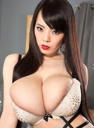 Big Boobies Pics